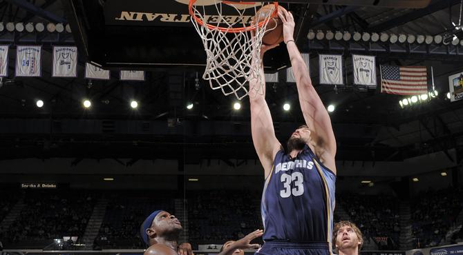 Marc echa el cierre a su aro y pone a los Grizzlies en la rampa de lanzamiento a los 'playoffs'