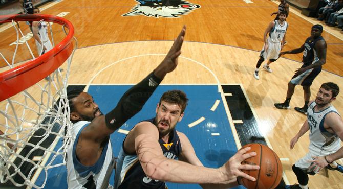 Ricky y sus Timberwolves chocan con Marc, el muro de la NBA, y sus letales Grizzlies