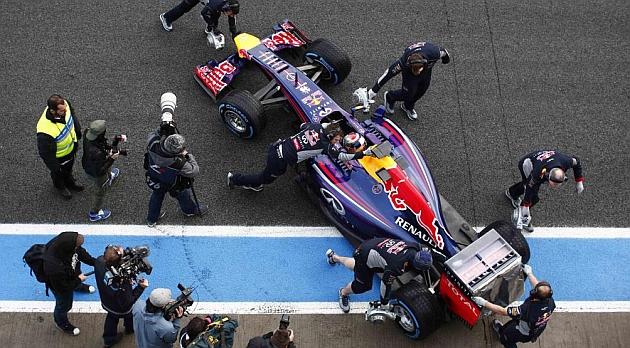 Red Bull baraja un rediseño