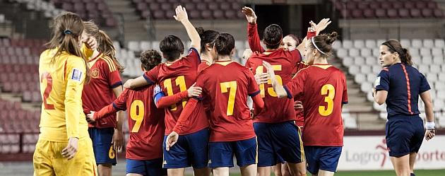 La selección española celebra un gol en una imagen de archivo / María Mentxaka