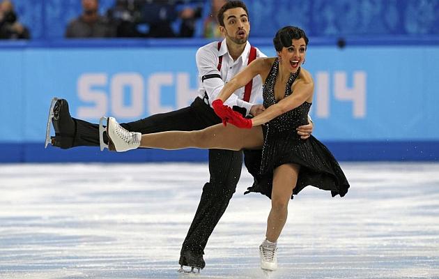 Sara Hurtado y Adrià Díaz durante su actuación / REUTERS