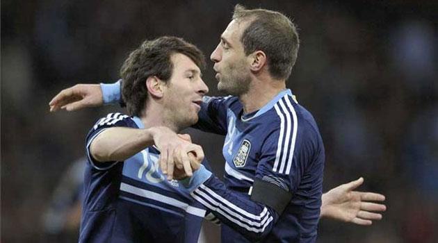 Zabaleta: Soy capaz de convencer a Messi de que fiche por el City