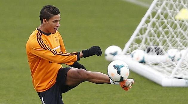 Varane protege a Ramos