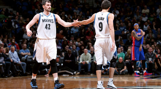 Ricky roza el triple doble y su manada de los Wolves sigue so�ando con los playoffs
