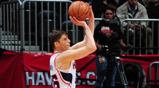 El francotirador de la NBA ajusta su mirilla para acabar con los Bucks
