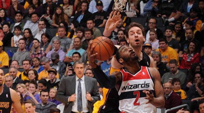 Los Lakers pierden la primera de quince finales pese al doble-doble de Pau