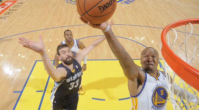 Curry lima las u�as a los Grizzlies de Marc con su punter�a