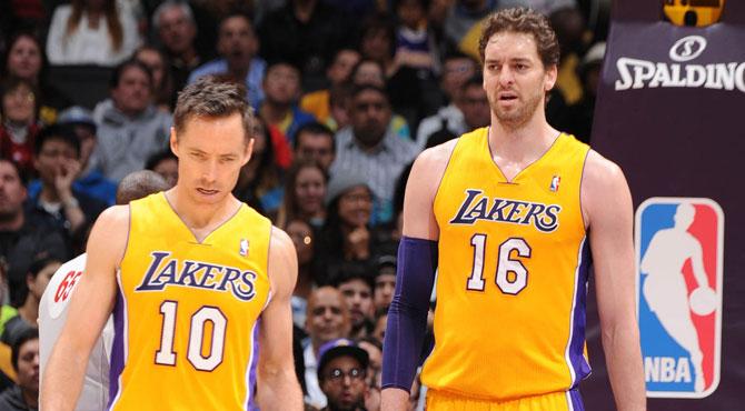 Pau Gasol vuelve a jugar y los Lakers contin�an su racha negativa