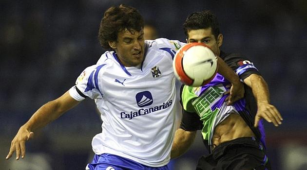 Arrubarrena, en su etapa en el Tenerife en un partido ante el M�laga / Marca