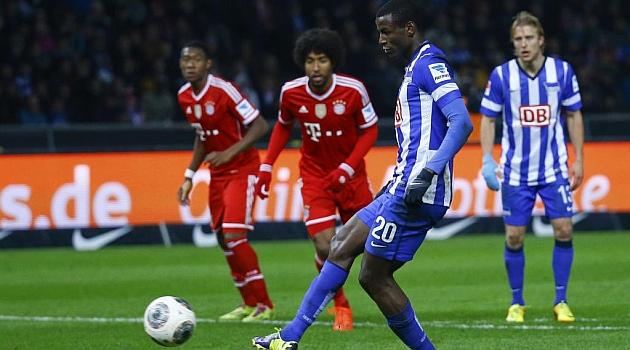 El Borussia Dortmund anuncia el fichaje de Adri�n Ramos