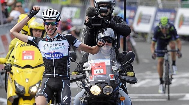 Wouter Poels celebrando su triunfo en meta. AFP
