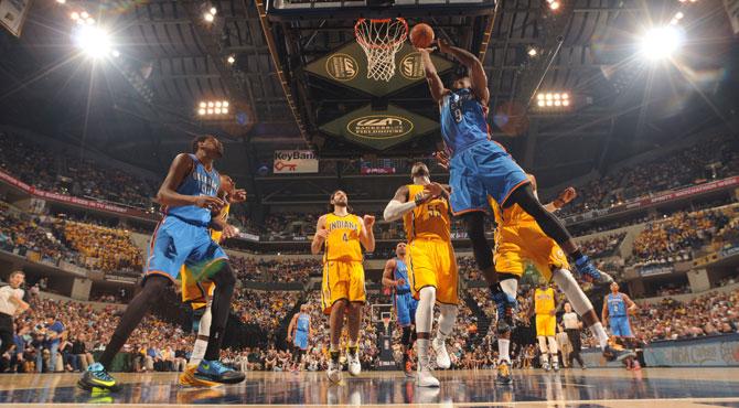 Ibaka y Durant sufren el nuevo triple doble del 'LeBron de Brooklyn'
