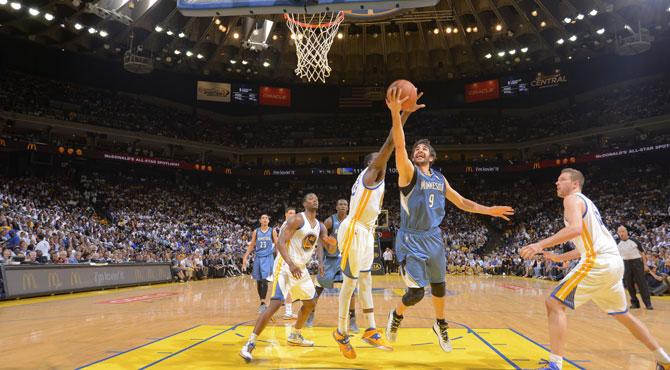 Ricky suma 15 puntos y 8 asistencias a los 40 puntos, 14 rebotes y 9 asistencias de Love