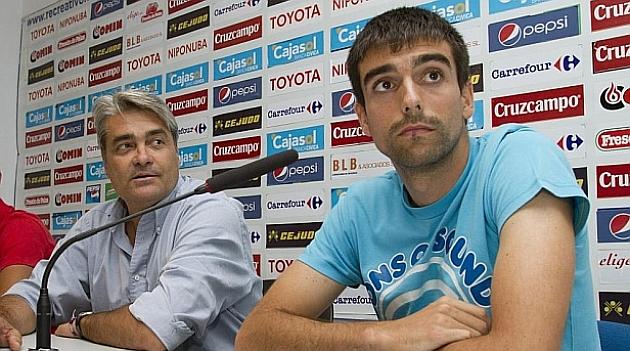 Rueda de prensa de Ernesto durante su etapa como jugador del Recre