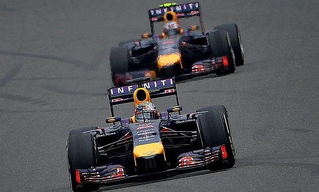 Vettel antes de ser adelantado por Ricciardo en el GP de China / Foto: AFP