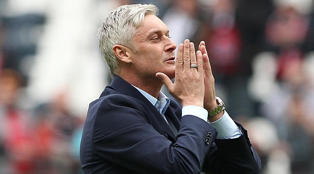 Armin Veh volverá a entrenar al Stuttgart