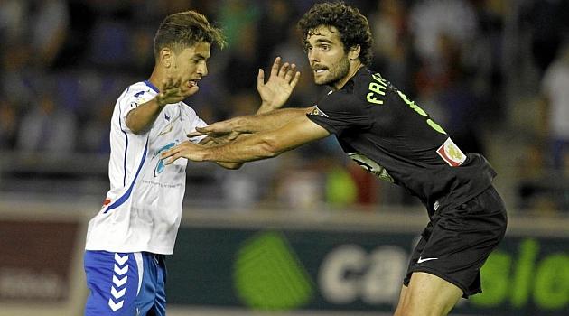 Fran Cruz defiende a Ayoze en Tenerife / Santiago Ferrero (Marca)