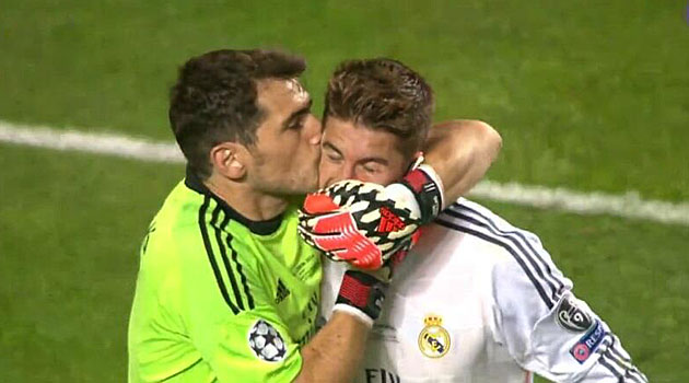 El beso de Casillas: de Sara Carbonero a Sergio Ramos