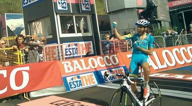 Fabio Aru vence en solitario en el alto de Plan Montecampione