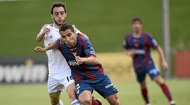 Gilván Gomes en el partido del Eibar ante el Castilla en Madrid / Juan Aguado (Marca)