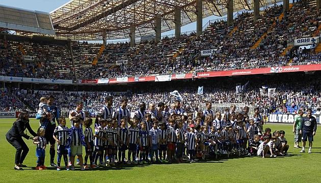 Riazor se llenar�, como ante el Eibar, en el 'partido por el ascenso' / Amador Lorenzo (mara)