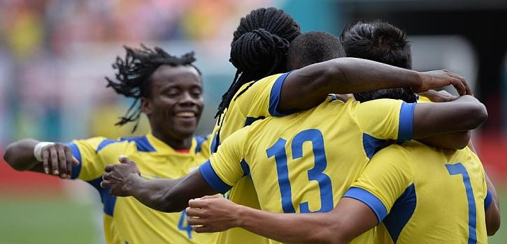 Ecuador mete el miedo en el cuerpo a Inglaterra