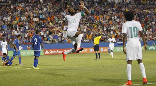 Drogba y Gervinho acaban con El Salvador