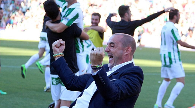 El Córdoba renueva automáticamente a Ferrer