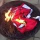 Los aficionados del Arsenal queman camisetas de Cesc