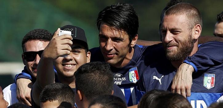 Buffon, De Rossi y Barzgli se unen al grupo