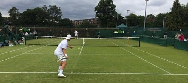 Espa�oles jugando un partido en la previa de Wimbledon / RFET