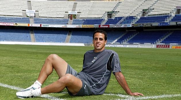 Vitolo posa para un reportaje en su anterior etapa en el Tenerife / Marca