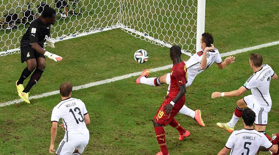Así fue el gol para la historia de Klose
