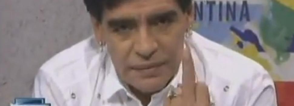 """Maradona responde a Grondona: """"Pobre estúpido"""""""