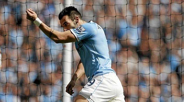 Manchester City slap ¤30m price tag on Negredo