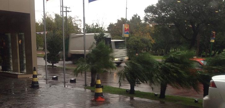 Un temporal amenazó el Alemania-Argelia