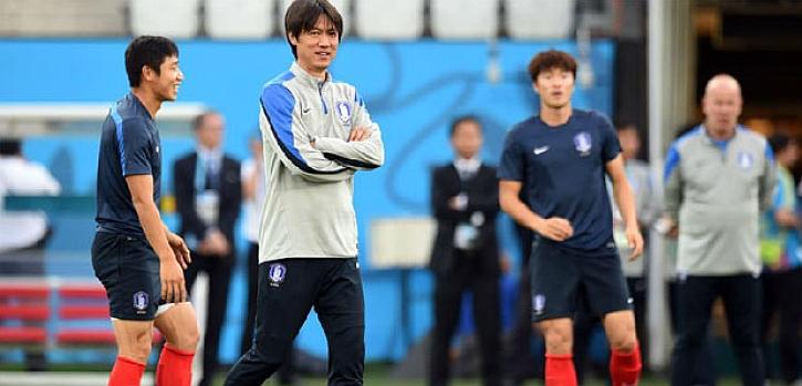 Hong Myung-bo seguirá entrenando a Corea del Sur pese al fiasco en Brasil