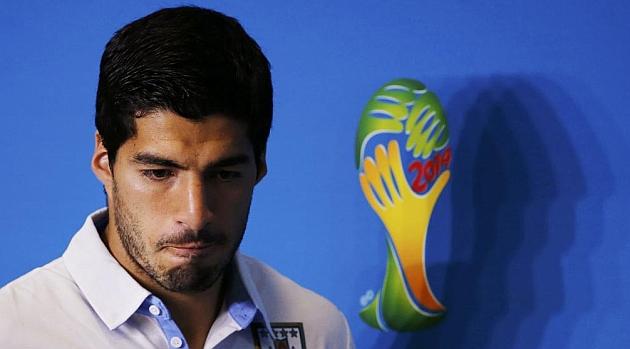 La FIFA aclara que Luis Suárez no podrá entrenarse durante la sanción
