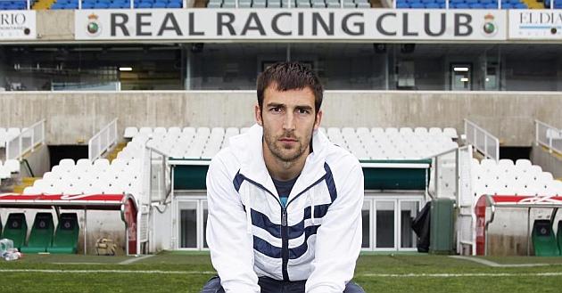 El Racing renueva el contrato de Mario Fernández
