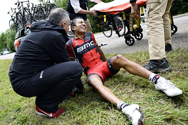 El colombiano Atapuma se fractura el fémur izquierdo