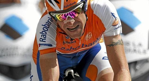 La UCI sanciona a Menchov por anomalías en el pasaporte de salud