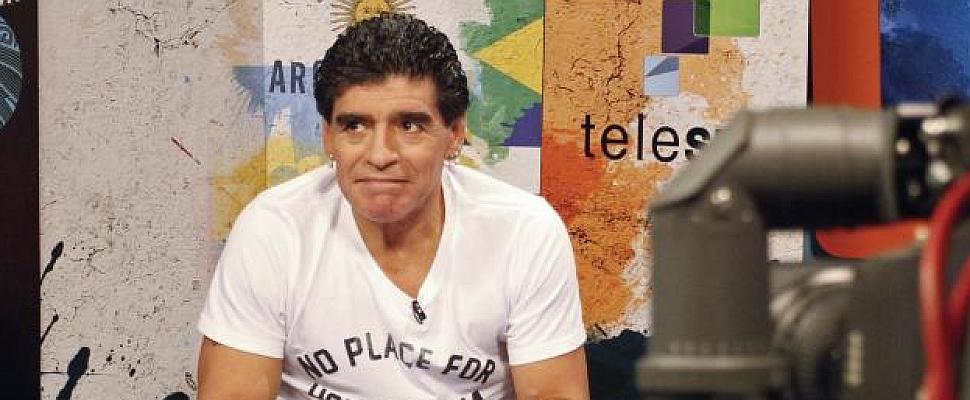 """Maradona: """"A Messi quieren hacerle ganar algo que no ganó, es injusto"""""""