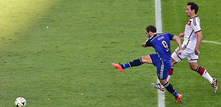 El fallo de Higuaín en la final, la pifia del Mundial