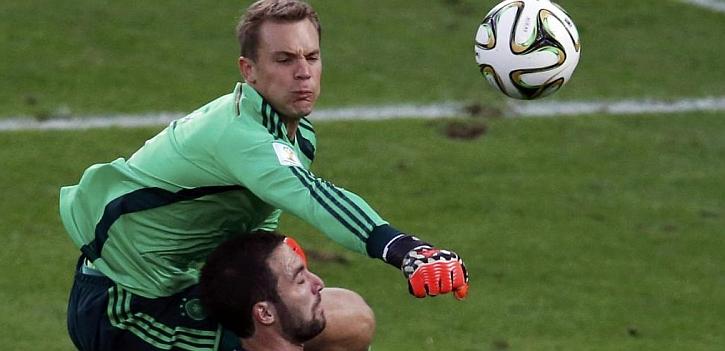 El penalti no señalado de Neuer a Higuaín, la mayor polémica