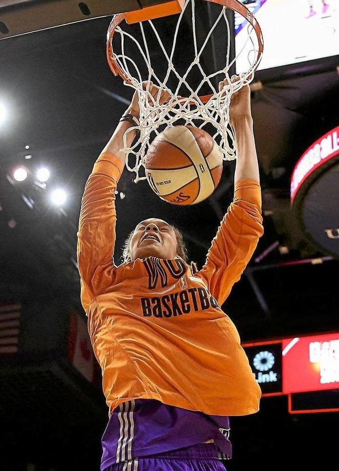 Así ve y vive sus mates la 'reina dunker' que podría llegar a la NBA