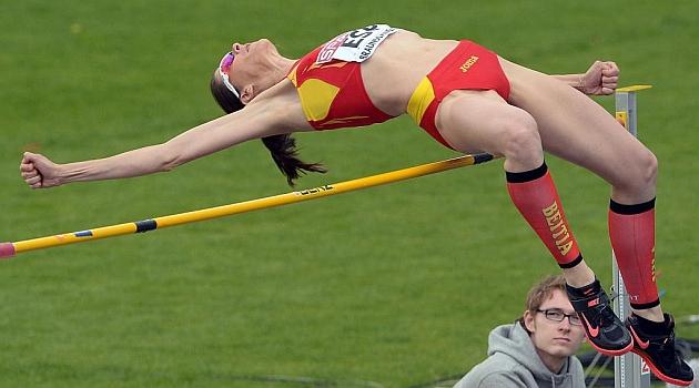 Ruth Beitia durante una competición