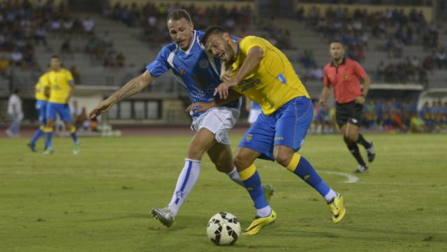 Un lance del choque entre el CD Marino y Las Palmas. / Foto: UD Las Palmas
