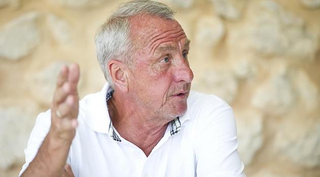 Cruyff: El Barça siempre fichaba muchos peloteros y ahora los ha fichado el Madrid