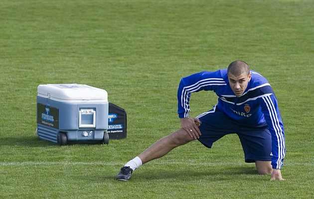 Carlos Diogo durante un entrenamiento con el Zaragoza. / Toni Galán