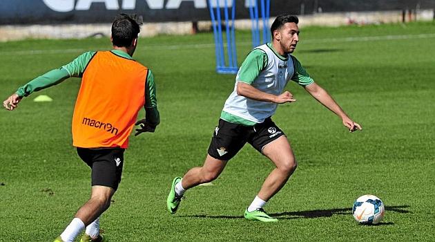 Varela Seguira Jugando Al Futbol Marca Com